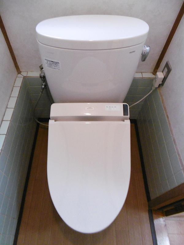 お手入れがしやすく、統一感があるトイレへリフォーム