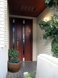 断熱性能が上がったドアへスピードリフォーム