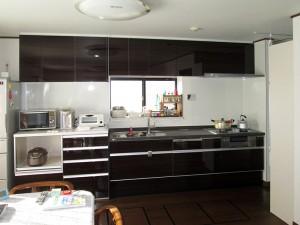 収納に困らない、存在感のあるキッチンへリフォーム