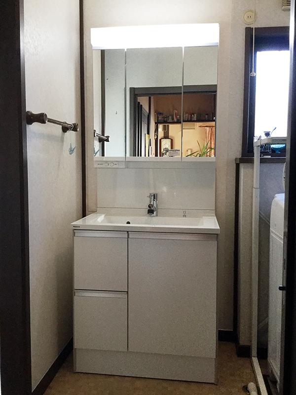 水漏れ、逆流解消の洗面台リフォーム