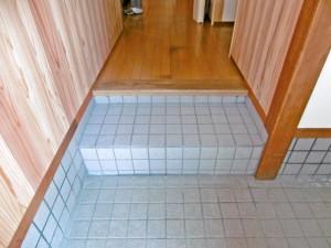 玄関の段差を緩和し、内装も一新!より住みやすくバリアフリーリフォーム