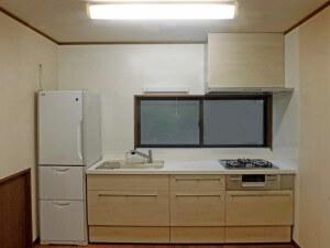 システムキッチンを交換して、スッキリとした使いやすいキッチンへ