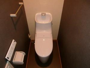 トイレ入替にあわせた内装リフォームで空間にアクセントを!